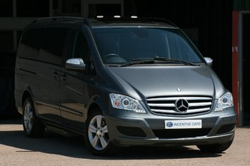 MERCEDES VIANO Ambiente 2.2CDI Long AUTO 7 SEAT. £9000 OPTIONS. WAV LIFT. 1 OWNER. MB HISTORY PAN ROOFS SAT NAV. 6